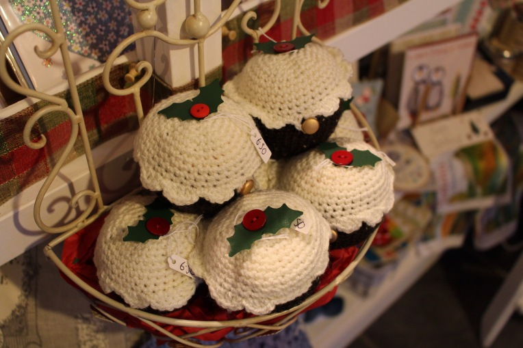 Hand-knitted Christmas puddings (with Terry's Chocolate Orange)