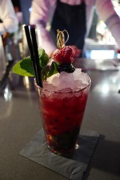 Cóctel de 'Berry mojito'