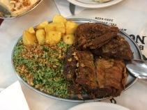 Carne de cabra con arroz de brócoli